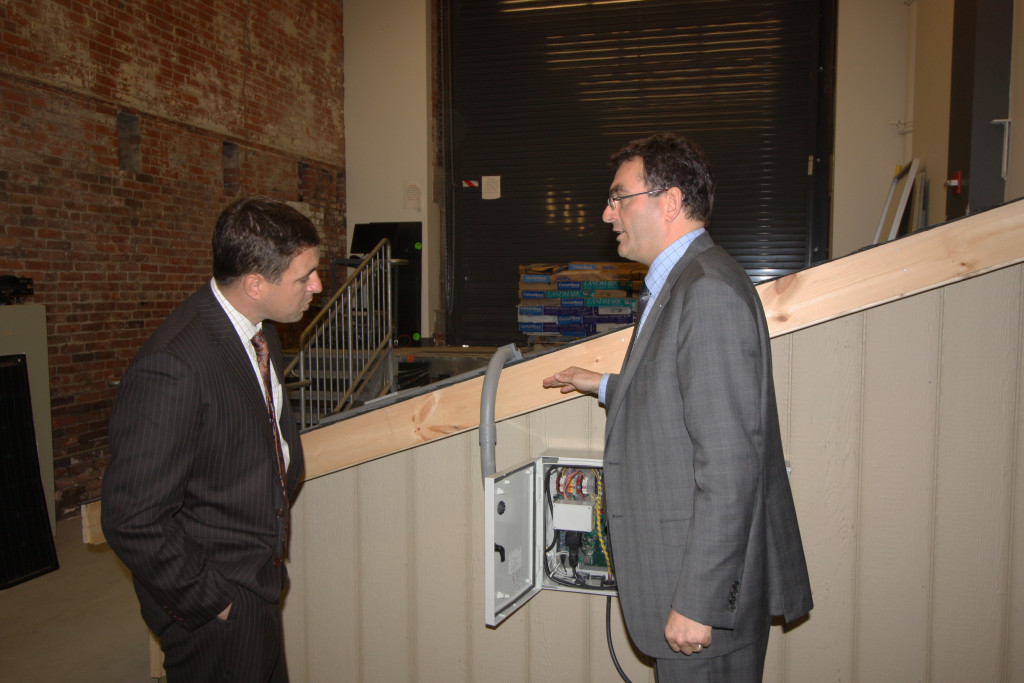 Christian Hoepfner and Secretary Beaton discuss the motivation behind the Fraunhofer CSE Plug & Play PV Systems.